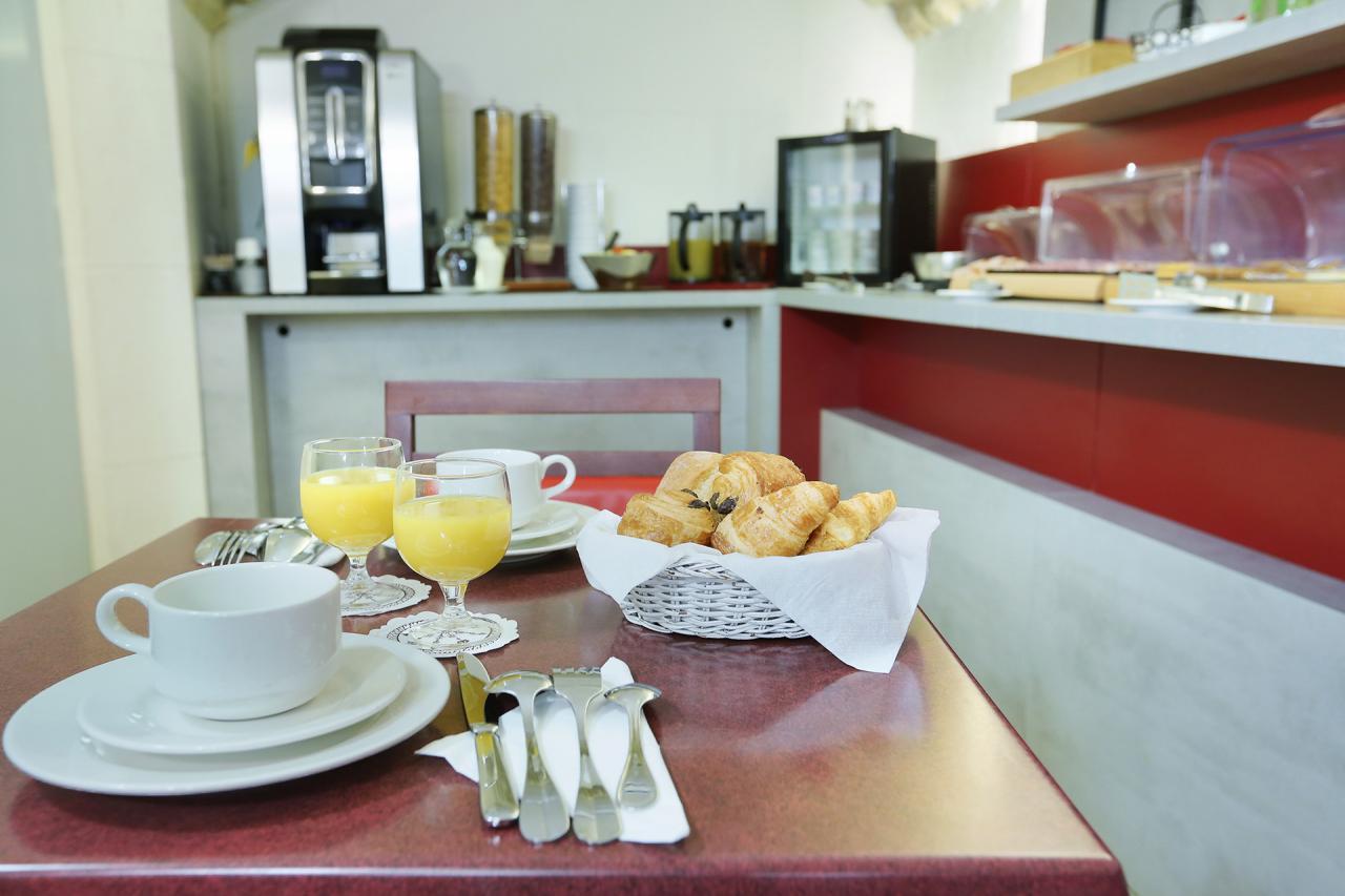Hotel Beaugrenelle Tour Eiffel - Petit déjeuner- Breakfast